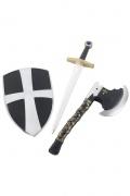 Escudo, espada y hacha de caballero medieval
